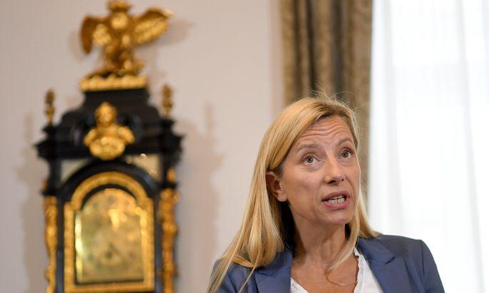 Die Frauenpolitik der ÖVP dreht sich gerade weniger um ein Thema, sondern um eine Person: Juliane Bogner-Strauß.