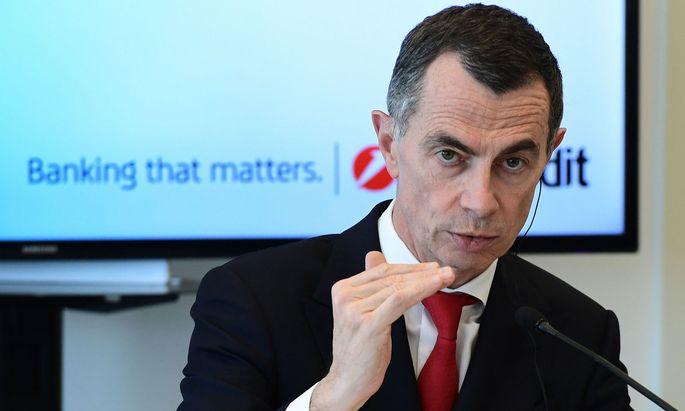 UniCredit-Chef Jean-Pierre Mustier verordnet einen Sparkurs