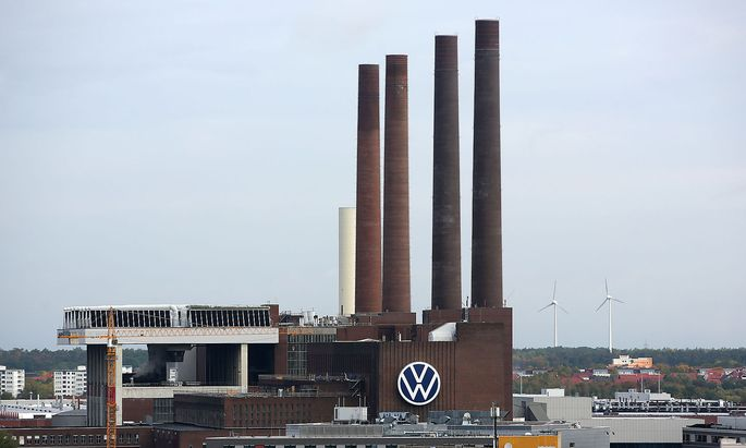 Wolfsburg Niedersachsen Wolfsburg, 26.09.2019, Rathaus, Panorama Blick auf Volkswagen Werk, Das Heizkraftwerk Wolfsburg