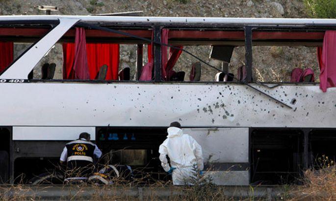 Istanbul Anschlag MilitaerBus fordert