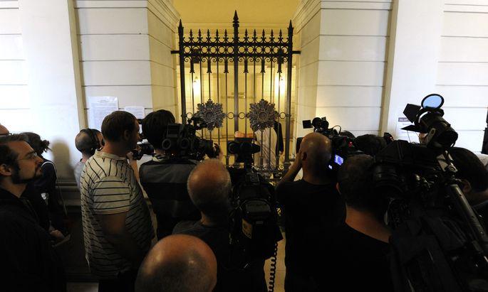 """""""Draußen bleiben!"""" Kameraleute und Fotografen haben in Österreichs Gerichtssälen oftmals mit Verboten zu kämpfen (Bild: Straflandesgericht Wien)"""