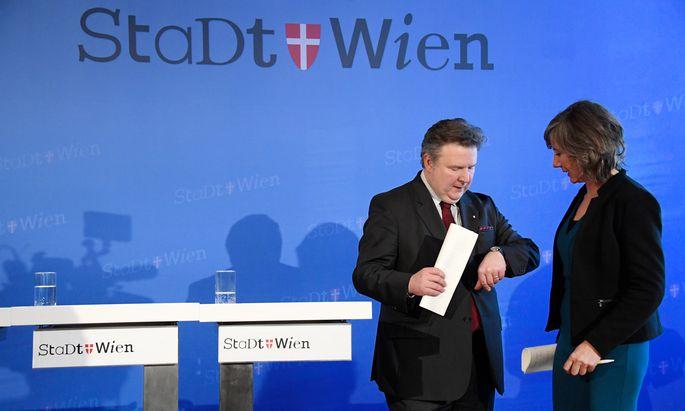 Bürgermeister Michael Ludwig (SPÖ) und Gemeinderätin Birgit Hebein (Grüne) müssen sich mit ernsten Problemen bei der Wien-Wahl auseinandersetzen (Archivbild).
