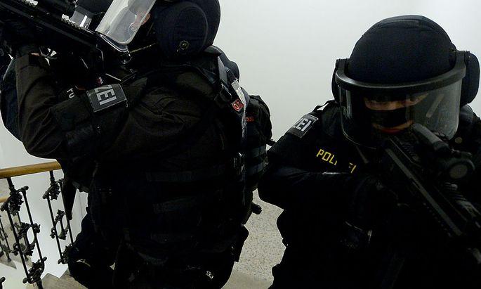 Archivbild. Das Sondereinsatzkommando Cobra rückte in Baden wegen eines Terrorverdächtigen aus.
