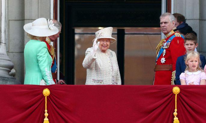 Queen Elizabeth II. am Balkon des Buckingham-Palasts in 2019: Wird es diesen Moment im Sommer dieses Jahres wieder geben?