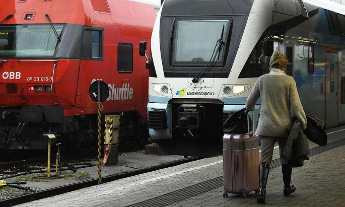 Ohne weitere Hilfsgelder hatten die ÖBB und die Westbahn gedroht, viele Verbindungen zu streichen.