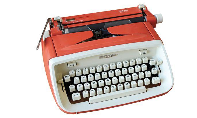 Frederic Mortons Reiseschreibmaschine der Marke Royal Safari von 1964.