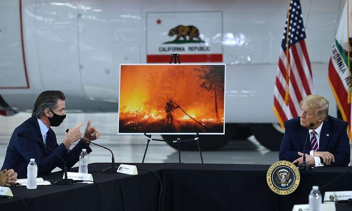Gouverneur Gavin Newsom und Präsident Trump wurden sich bei ihrem Treffen in Sacramento nicht einig beim Thema Waldbrandprävention..