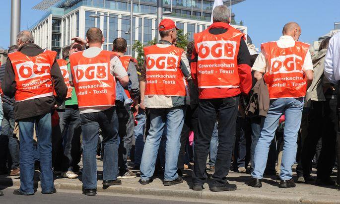 Für die schwindenden Mitgliederzahlen der Gewerkschaften gibt es verschiedene Erklärungen.