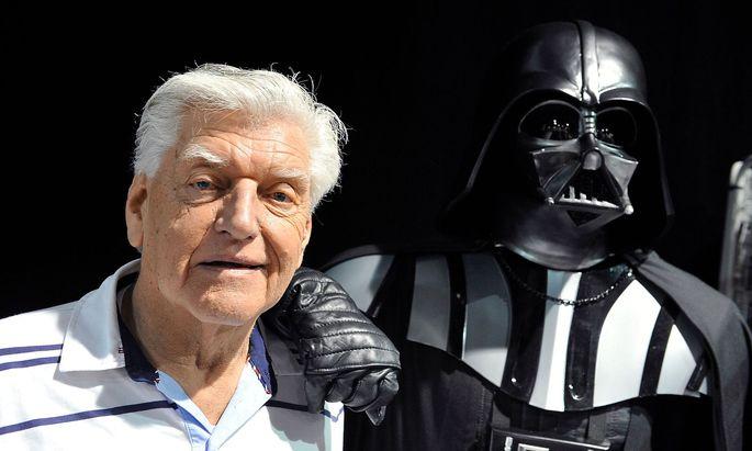 Darth Vader wurde gespielt von David Prowse - doch sein Gesicht sah man nie.