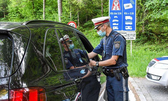 Derzeit werden die Grenzen wieder verstärkt kontrolliert (Symbolbild vom Mai dieses Jahres).