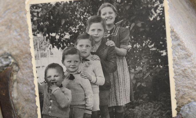 Das Mädchen Paula war für ihre vier jüngeren Brüder wie eine zweite Mutter.