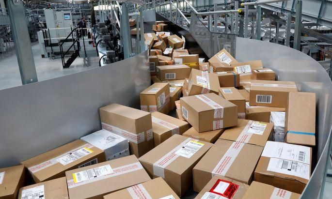 Wer gerne Pakete von ausländischen Webshops bestellt, hat künftig leichteres Spiel.