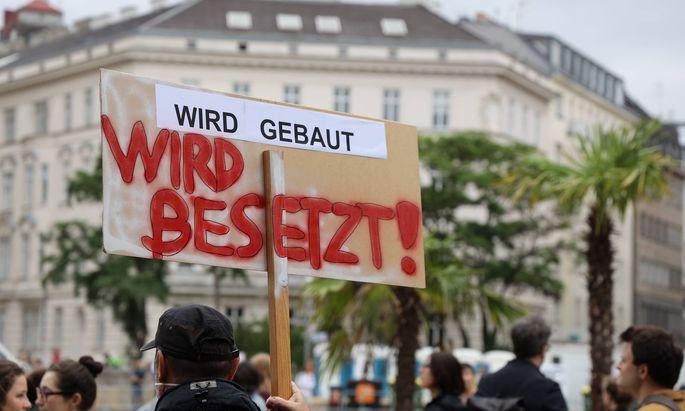 Auch die Neos stellen sich gegen den Tunnelbau - und wollen notfalls in der Au vor Baggern protestieren.