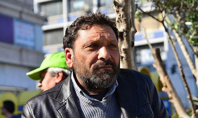 Dieser Mann verlor bei der Flüchtlingskatastrophe vor der griechischen Insel Farmakonisi Frau und Kinder. Die griechische Wasserpolizei drängte die Boote mit Familien aus Syrien und Afghanistan zurück in türkisches Gewässer.