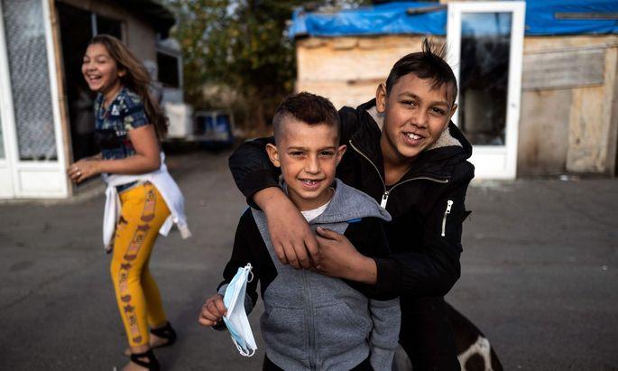 Nach zehn Jahren EU-Roma-Strategie ist der Anteil junger Roma, die arbeitslos oder nicht in Ausbildung sind, gestiegen.