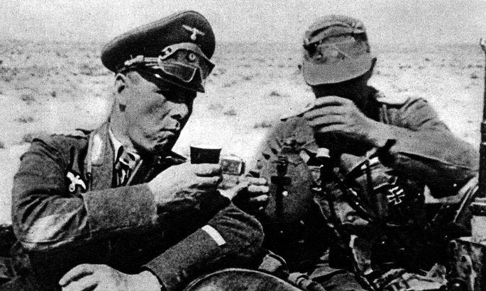 Erwin Rommel (links)