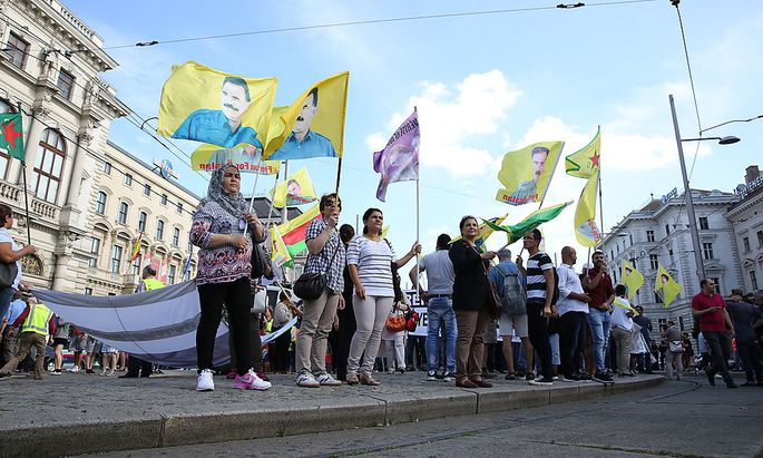 Die kurdischen Demonstrationen in Wien sind für das türkische Außenministerium Grund, den Botschafter einzubestellen.