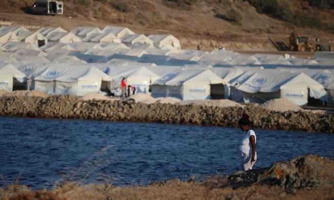 Ein neues provisorisches Flüchtlingslager auf Lesbos