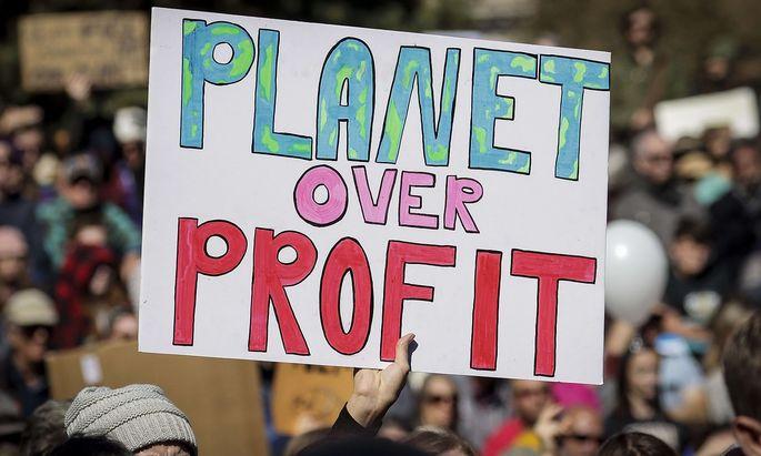 US-CLIMATE-ACTIVIST-GRETA-THUNBERG-HOLDS-'FRIDAYS-FOR-FUTURE'-EV