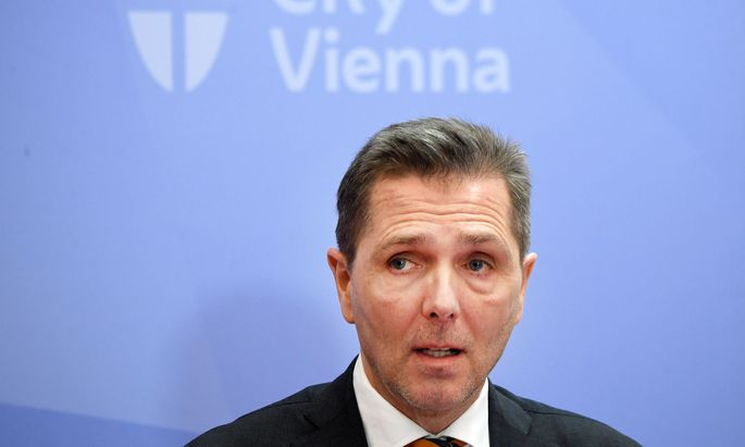 Michael Binder bei der Pressekonferenz zum 1. bestätigten Corona-Fall in Wien Ende Februar