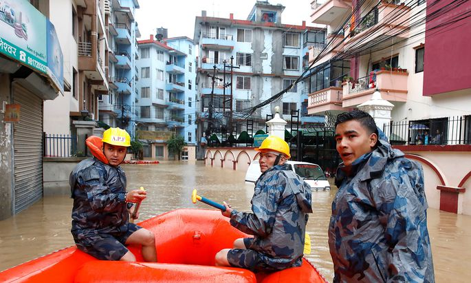 Ein Bild aus einem überschwemmten Viertel der nepalesischen Hauptstadt Kathmandu.