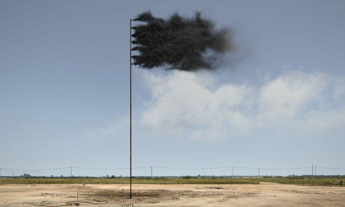 """Die virtuelle Quelle versiegt nie: """"Western Flag (Spindletop, Texas)"""", Video von John Gerrard."""