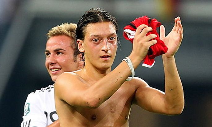 Özil und Götze schossen gemeinsam zumindest dreieinhalb Tore.