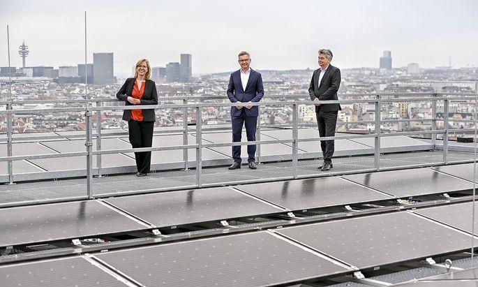 Umweltmnisterin Leonore Gewessler, Staatssekretär Magnus Brunner und Vizekanzler Werner Kogler.