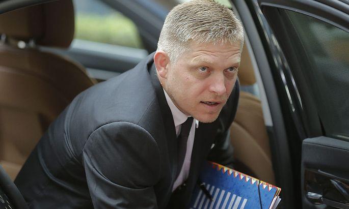 Der slowakische Premier Robert Fico hat eine Klage angekündigt