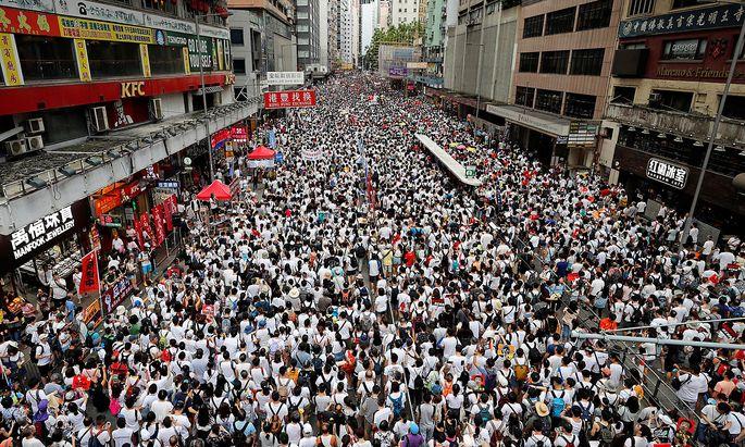Tausende Hongkonger demonstrierten am Wochenende gegen das neue Auslieferungsgesetz.