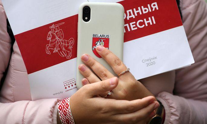 Widerstand mit dem Smartphone. In Belarus gehen die Proteste gegen Machthaber Lukaschenko vor allem auf Social Media weiter.