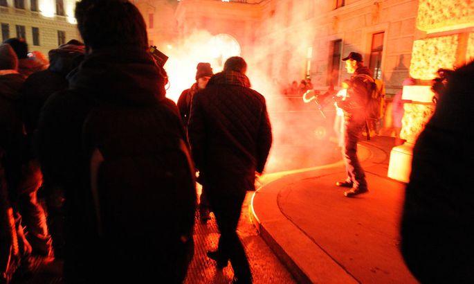 Demo gegen den Akademikerball