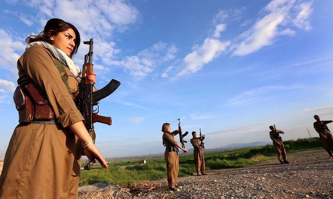 Kämpferinnen und Kämpfer der iranischen Kurden