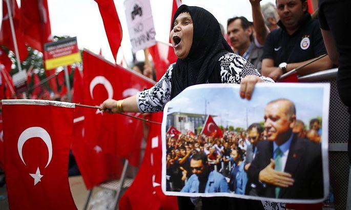 Türkische Demonstranten in Deutschland.