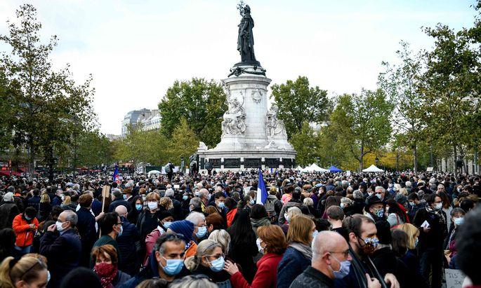 Großdemonstration am Place de la République in Paris: Auch in anderen Städten Frankreichs wurde für Meinungsfreiheit demonstriert.