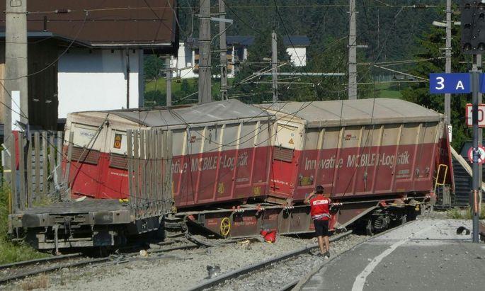 Güterzug in Kircherberg in Tirol entgleist