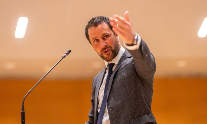 SPÖ-Chef und Klubobmann Georg Dornauer brachte mit seiner Partei die mündliche Anfrage ein.