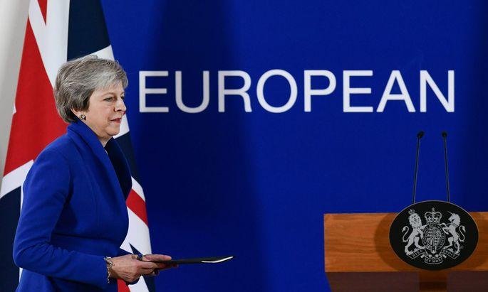 """""""Ein Abschied von der EU, aber kein Abschied von Europa"""" – Premierministerin Theresa May versuchte gestern nach Kräften, den Briten das Austrittsabkommen schmackhaft zu machen."""