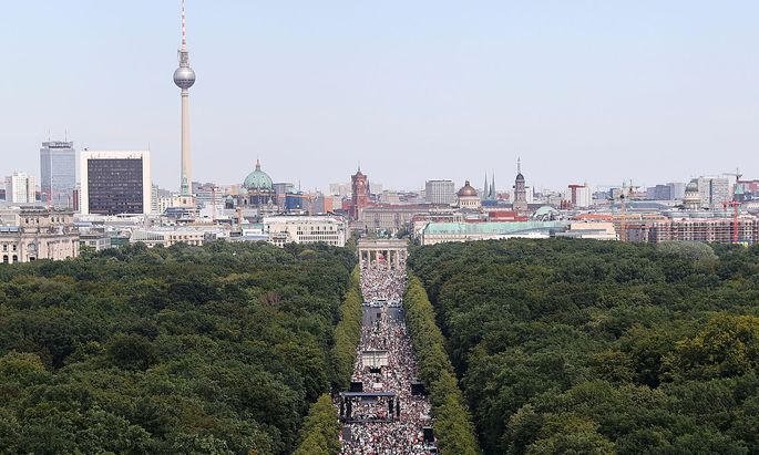 Demonstration against the government's restrictions amid the coronavirus disease (COVID-19) outbreak, in Berlin