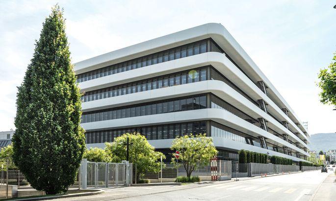 Das neue Manufakturgebäude bietet Platz für alle Fertigungsschritte sowie Restaurierung, Forschung und Ausbildung.