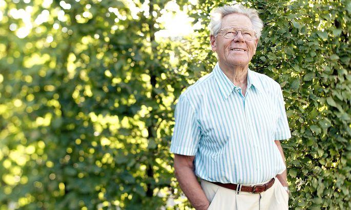 Hans Küng, weltbekannter katholischer Theologe und Vorkämpfer für ein Weltethos, ist verstorben.