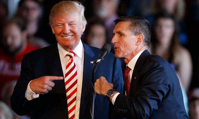 Michael Flynn und Donald Trump während des Präsidentschaftswahlkampfs