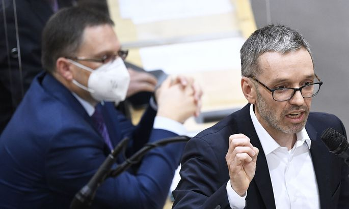 Freiheitliche Abgeordnete hatten trotz Verpflichtung durch die Hausordnung zuletzt keine Maske getragen - sie sollen auch gegen den Vorschlag zur Änderung der Geschäftsordnung gestimmt haben.