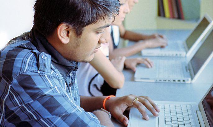Mit dem Einzug digitaler Lernformate stehen immer mehr Daten über das Studierverhalten zur Verfügung, die zur Analy-se genutzt werden können.