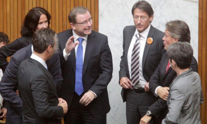 Natinalrat beschliesst einstimmig UAusschuss