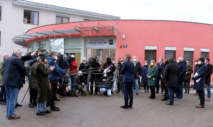 Gesundheitsminister Rudolf Anschober bei einem Medientermin anlässlich der Impfungen in Alters- und Pflegeheimen am 14. Jänner 2021, in Klosterneuburg.
