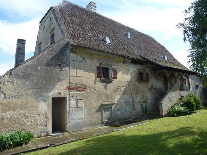 Sanierungsbedürftiges altes Mühlhaus in Wilfersdorf (NÖ).
