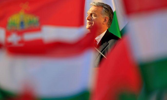 """Viktor Orbán forderte die Opposition im Parlament zur Zusammenarbeit auf, um gleich hinzuzufügen: """"Wir werden diese Krise auch ohne Sie lösen."""""""