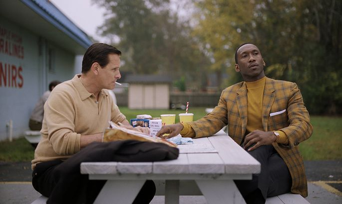 Viggo Mortensen as Tony Vallelonga and Mahershala Ali as Dr Donald Shirley in Green Book directed