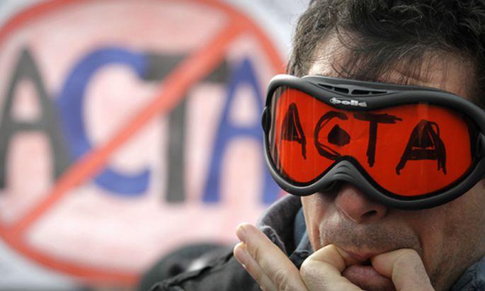 Weltweite Proteste: Ein Demonstrant in Sofia